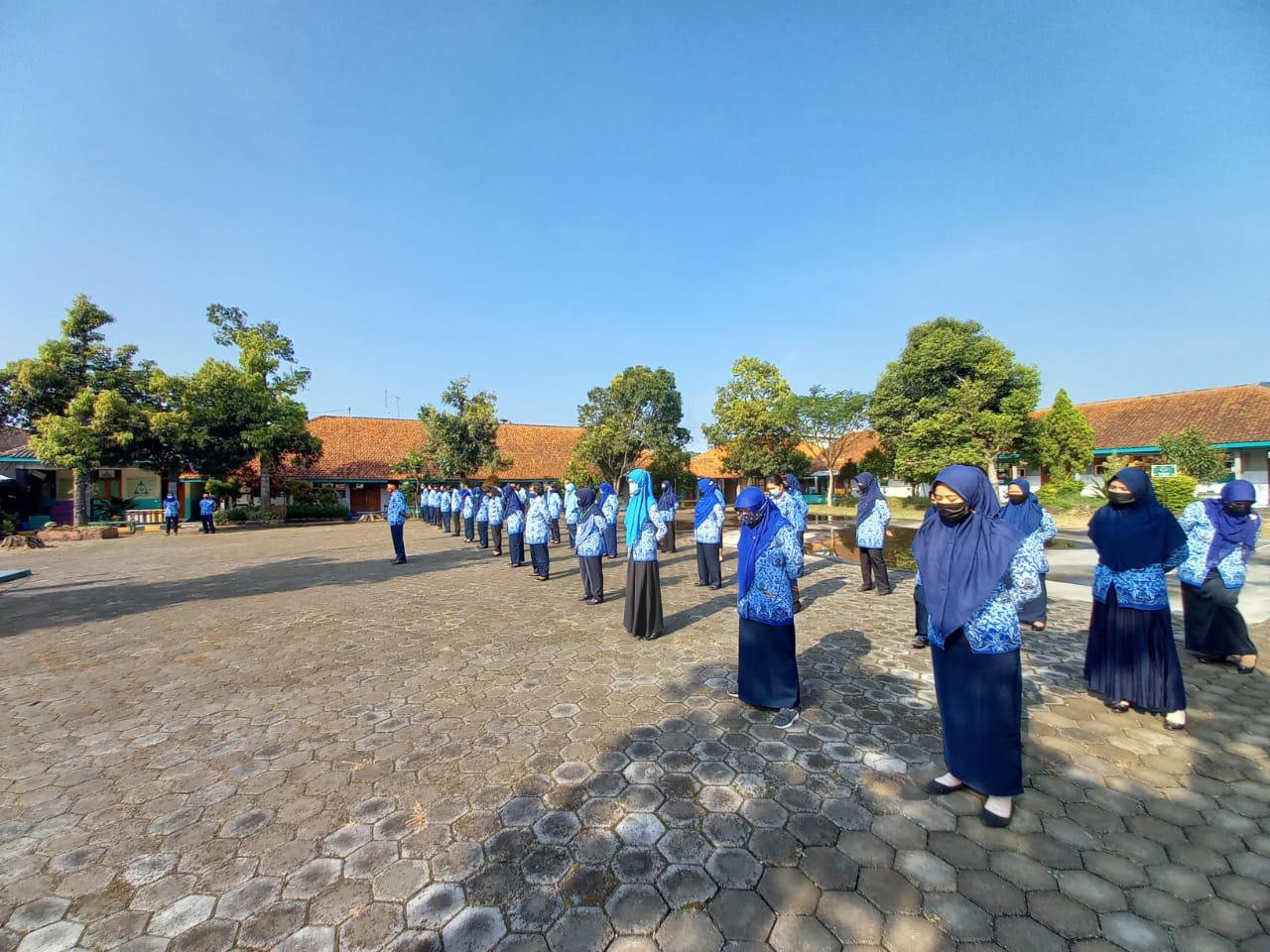 Guru dan Karyawan Nesaba Kembali Aktif Usai Libur Hari Raya