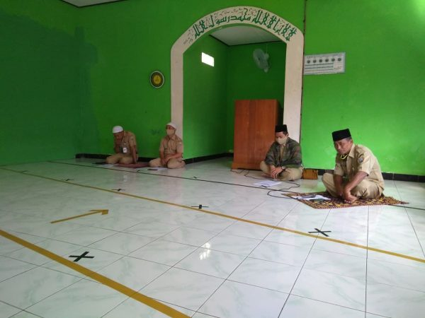 Segenap Guru dan Karyawan SMP N 1 Bawen panjatkan doa